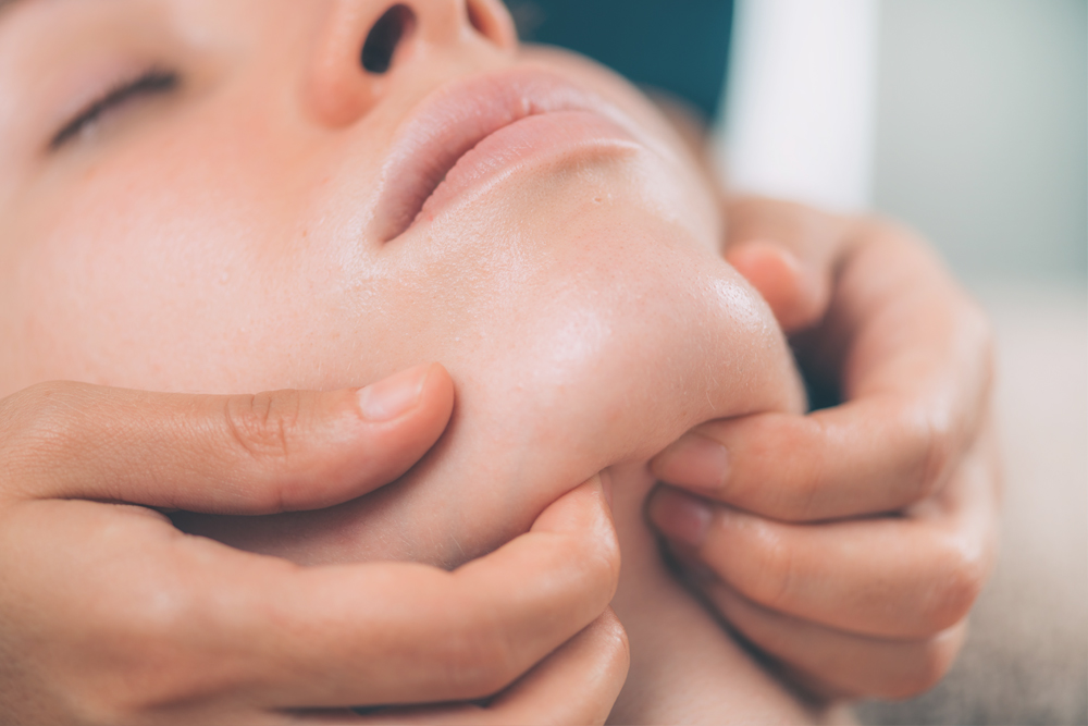 Your Slimming Clinic Bournemouth Cosmetic Treatments Sagging Jawline